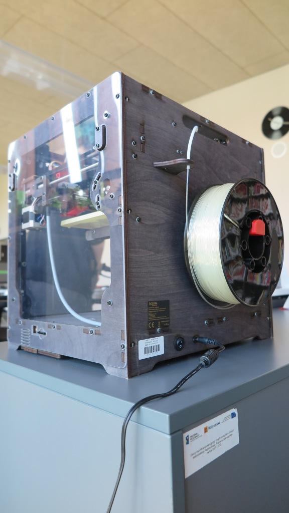 Szpula filementu do wydruku 3D